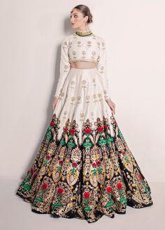 Pakistani Couture, Pakistani Dresses, Indian Dresses, Latest Bridal Dresses, Indian Bridal Outfits, Wedding Saree Blouse, Bridal Lehenga, Stylish Gown, Groom Outfit