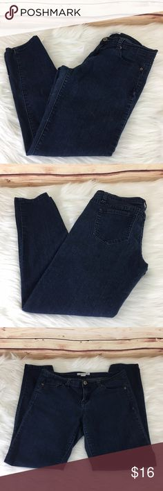 """✨ Forever 21 Denim jeans ✨Newly listed items are priced to move.. please help me clear out my actual closet 😉 Brand: Forever 21 Denim Size: 29 Type: dark denim wash, skinny leg style Details: four functioning pockets  Waist measurement: 14.5"""" across  Inseam: 27"""" Length: 34"""" Condition: preloved, good (some fading and waistband creasing)  Other: this item does not fit me, sorry I cannot model ✨Build a bundle with all your likes and use the automatic bundle discount -or- make me a bundle…"""