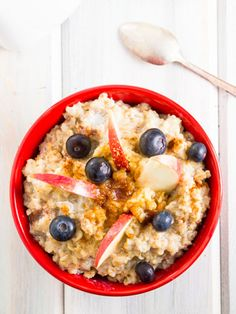 Start the day off big! Start your day with a 300- to 400- calorie meal packed with protein and carbohydrates to help you feel fuller longer.
