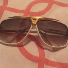 Authentic Acetate Evidence Louis Vuitton glasses White and gold, amazing condition LV sunglasses Louis Vuitton Accessories Glasses