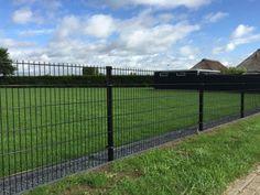Backyard Plan, Backyard Fences, Fence Art, Dog Fence, Outdoor Fencing, Ranch Fencing, Black Fence, Garden Pool, Garden Gates