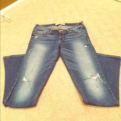 Hollister Jeans in great condition! only worn once! Hollister Pants Straight Leg