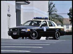 WhoopWhoop... Look out for this 2003 Ford Crown Victoria Police Car Florida Highway Patrol Car Replica at tomorrow's Boynton Beach, Fla., auction.    #MecumVerde