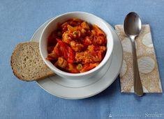 Drobiowy bogracz - przepis ze Smaker.pl Chana Masala, Chili, Soup, Ethnic Recipes, Chile, Soups, Chilis