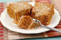 Yesterday, while making pumpkin bread with salted caramel drizzled pumpkin buttercream for my husband's food day at work, I suddenly found myself really wanting a slice of that bread! But, that wasn't an option, and I didn't want to go through waiting for another loaf of bread to bake! My solution? Make bars using the …