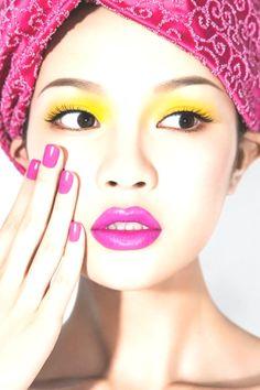 20 Tren Makeup Wajah Jepang | Makeup Trends Skin Makeup, Beauty Makeup, Glass Skin, Professional Makeup Artist, Makeup Forever, Makeup Trends, Korean Beauty, Face, The Face