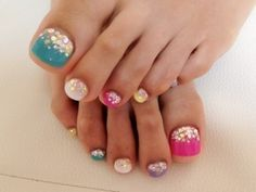 Summer Pedicure....cute design...ugly toes.