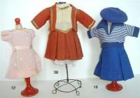 Catalogue de la vente Collection de Poupées Bleuettes, Porcelaines, Faïences à Pescheteau-Badin | Auction.fr