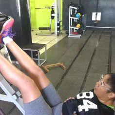 Quem disse que nois não treina?? Tô começando #fitness #muscula #nopainnogain #mulheresquetreinampesado #vidasaudavel #gym #foco #instafit #mulheresquetreinam #fit #mulheresquecorrem #mulheresquetreinamjiujitsu #mulheresnotatame #musculacao #mulheresquetreinamjud #dieta #purplebelt #jiujitsu #judo #atletatorah #timetorah #treino #bodybuilding #brownbelt #segueoplano #associa #graciebarrapb #fitnessgirl #academia #muscle @bruceleetags