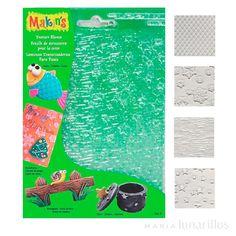 Set de 4 tapetes texturizadores, ideales para usar sobre pasta de azúcar. Son perfectos para añadir elementos decorativosa galletas, cupcakes, bizcochos, tartas... El set incluye texturizadores de: escamas, copos de nieve, madera y estrellas. Medidas:16 x 12 cm.