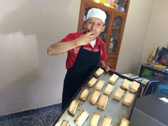La Masa de hojaldre más rápida del mundo y aplanchados Ecuador (Con el Toque de Luis) - YouTube Pan Bread, Sweet Bread, Sin Gluten, Ecuador, Cake Recipes, Apron, Food And Drink, Youtube, Desserts