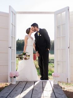 love this idea of door frames for outdoor portraits, photo by Rachel Havel http://ruffledblog.com/woodland-park-wedding #weddingideas