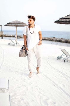 Hope this was helpful or inspiring for one of your summer looks my friends! Cool Summer Outfits Men, Cargo Pants Outfit Men, Popular Fashion Blogs, Mdv Style, Street Style Magazine, Indian Men Fashion, Stylish Girls Photos, Summer Looks, Photoshoot