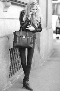 allcursed:  Street style.