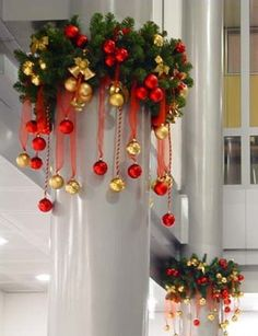 25 Easy And Affordable Christmas Decorating to Brighten Up t. Christmas Chandelier, Christmas Swags, Noel Christmas, Simple Christmas, Christmas Ornaments, Christmas 2019, Office Christmas Decorations, Christmas Centerpieces, Xmas Crafts