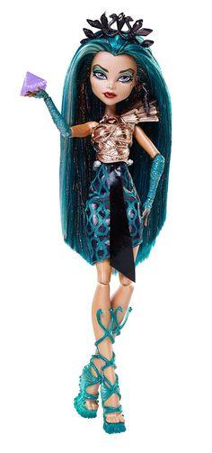 Amazon.com: Monster High Boo York, Esquemas Ciudad Boo York Nefera de Nile Doll: Juguetes y juegos