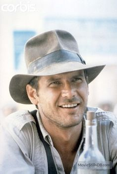 Indiana Jones (Harrison Ford) - Raiders of the Lost Ark Harrison Ford Indiana Jones, Indiana Jones Films, Star Wars, I Movie, Movie Stars, Henry Jones, First Ladies, Actrices Hollywood, Famous Faces
