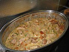 Zutaten 1 kg Schweinefilet(s) 100 g Katenschinken, in sehr kleine Würfel geschnitten 2 m.-große Zwiebel(n), fein gewürfelt 1...