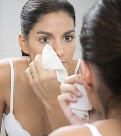 You're Doing It Wrong: Using Face Wipes | Dailymakeover