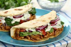 Gyros w picie Gyros Pita, Fast Good, Kebab, Salty Foods, Yummy Food, Tasty, Pizza, Cooking Recipes, Healthy Recipes