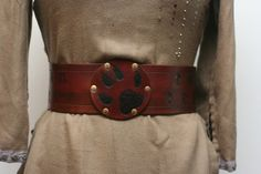 Great for renaissance faires or larp~~~~Leather Hero/Kidney Belt The Wolf by Versalla on Etsy