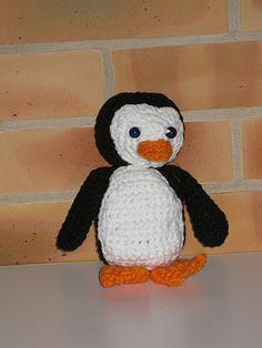 petit-pingouin--tuto crochet : http://tricotdamandine.over-blog.com/2014/01/liens-des-d%C3%A9cos-de-no%C3%ABl.html