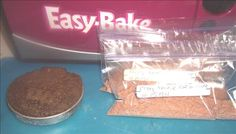 How to make cake mixes for Easy Bake Oven. includes recipe using regular cake mix: cake mix, any flavor and milk grease and flour pan preheat oven and bake for about 15 min! also other easy bake oven recipes to make without using a mix:) Easy Baking Recipes, Oven Recipes, Cooking Recipes, Baking Ideas, Easy Bake Oven Mixes, Chocolate Cake Mix Recipes, Oven Diy, Recipe Using, How To Make Cake