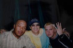 """Dre,Eminem,Jimmy Iovine pictured at """"The Slim Shady LP"""" release party Jimmy Iovine, Marshall Eminem, New Eminem, Rasengan Vs Chidori, Arte Hip Hop, Eminem Photos, Cute Pastel Wallpaper, Eminem Slim Shady, Rap God"""