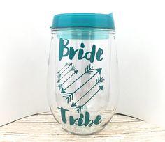 Despedida de soltera favores - novia tribu Copa de vino - vino - sin pie vino vidrio - vasos de fiesta nupcial personalizada vaso