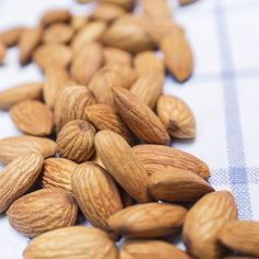 Natural Appetite Suppressants: Almonds