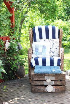 Pikkutalon elämää: puutarhan lukunurkka