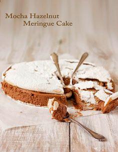 Tarta Dacquoise De Merengue De Avellanas Y Mousse De Moca Y Chocolate