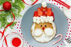 Santa Pancakes with Strawberries and Cream jigsaw puzzle Christmas Breakfast, Breakfast For Kids, Breakfast Recipes, Santa Pancakes, Puzzle Of The Day, Strawberries And Cream, Christmas And New Year, Caprese Salad, Kids Meals