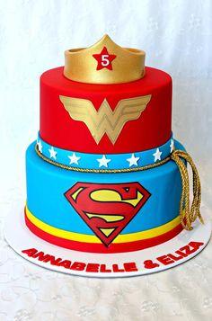 Wonder Woman Cake Girl Superhero Party, Superhero Birthday Cake, 21st Birthday Cakes, 30th Birthday Parties, Girl Birthday, Wonder Woman Cake, Wonder Woman Birthday, Wonder Woman Party, Bolo Super Man