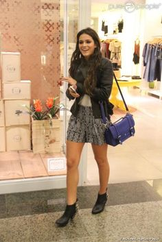 Bruna Marquezine no shopping Rio Design Barra