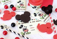 Mickey Mouse Party Ideas for One Year Old - Pink Peppermint Design Minie Mouse Party, Mickey Mouse Birthday Cake, Mickey Mouse Parties, Mickey Party, Mickey Minnie Mouse, Elmo Party, Elmo Birthday, Dinosaur Party, Dinosaur Birthday
