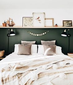 Trendy Home Office Design Dark Wood Benjamin Moore Ideas Bedroom Green, Dream Bedroom, Home Bedroom, Bedroom Wall, Master Bedrooms, Bedroom Ideas Paint, Romantic Bedroom Decor, Bedroom Vintage, Luxurious Bedrooms