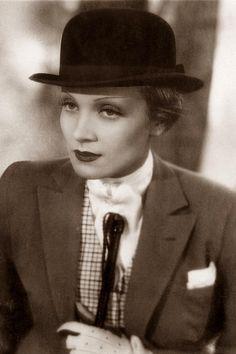 Marlene Dietrich, 1933.