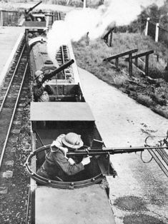 Uk, Hyde & Dymchurch railway, miniature ( but real) armoured train Black Sea Fleet, Home Guard, Army Infantry, Rail Transport, Rail Car, Historical Pictures, War Machine, Model Trains, Armed Forces