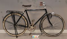 1910 safety #bicycle #bicyclette Honda, Bicycle Accessories, Road Bikes, Vintage Bicycles, Tricycle, Wheeling, Scooters, Safety, Motorcycles