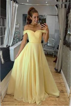 Buy A Line Off the Shoulder Sweetheart Yellow Prom Dresses, Long Formal Dresses online.Shop short long ombre prom, homecoming, bridesmaid evening dresses at Couture Candy Cocktail party dresses, formal ball gowns in ombre colors. Yellow Evening Dresses, A Line Evening Dress, Yellow Formal Dress, Yellow Dress Wedding, Beaded Prom Dress, Beaded Chiffon, Chiffon Skirt, Prom Party Dresses, Formal Dresses