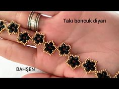 boncuktan bileklik yapımı /bead bracelet making/ изготовление браслета из бисера - boncuktan bileklik yapımı /bead bracelet making/ изготовление браслета из б - Beaded Bracelets Tutorial, Beaded Bracelet Patterns, Paracord Bracelets, Bracelet Designs, Seed Bead Necklace, Beaded Earrings, Quilling Earrings, Bead Jewellery, Jewelery