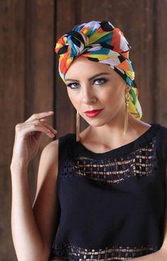 Aquí te decimos paso a paso cómo utilizar el turbante, un accesorio de moda en este verano.