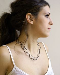 Audrey necklace // the little black necklace // simple, easy to wear chain link statement necklace
