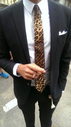 La cravatta che graffia #streetstyle @gucci #htcfashionweek #mfw