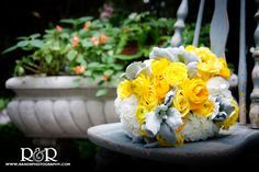 Wedding Flowers | Wedding Photography | Yellow & White | Bridal Bouquet | R and R Creative Photography | #weddingflowers #wedding #yellow #roses #bride #bouquet #weddingphotography #gardenwedding #RandRCreativePhotography