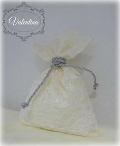 Μπουγκί Δαντέλα -Εκρού με ασημένιο κορδόνι στο δέσιμο του! Girls Dresses, Flower Girl Dresses, Wedding Dresses, Flowers, Christmas, Fashion, Dresses Of Girls, Bride Dresses, Xmas