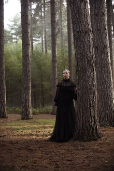 Season 2 of Killing Eve has upped the ante on everything. Eve Polastri (Sandra Oh) and Villanelle (Jodie Comer) are as lethal and obsessive as ever, and the costumes are just as magnetic and high-functioning as its detective–assassin duo. Skirt Images, Dress Images, Eve Costume, Costumes, Pink Fur Coat, Sandra Oh, Jodie Comer, School Dresses, Modern Tv