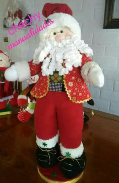 Standing Santa Claus decoration to your house. Christmas Gift Decorations, Xmas Ornaments, Christmas Art, Christmas Projects, Christmas Holidays, Christmas Wreaths, Holiday Decorating, 4th Of July Wreath, Pillow Covers