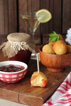 Croquetas de camembert y mermelada de fresa